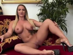 Sexy sluts suck on a stiff shaft