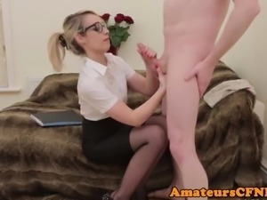 Spex domina wanks cock during CFNM