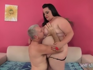 Plumper Takes a Cock into Her Tight Asshole