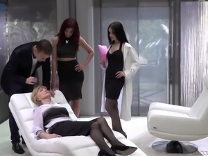 Oldie watches the way sexy Czech nympho Anie Darling works on stiff dick