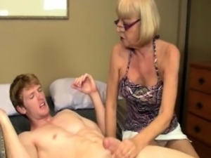 Mature amateur cumdrenched after wanking dick