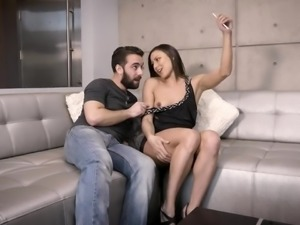Sinful gamine French nympho Cassie Del Isla gives a BJ while taping on cam