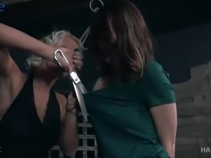 Submissive pale bitch Sosha Belle gets to know bondage from its dirty side
