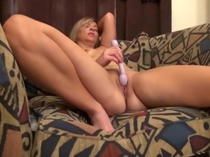 Amateur mature mom with fire between legs
