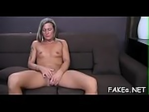 Stud couldn&#039_t stop his urges after watching playgirl touching herself