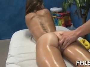 Wacko wench takes penis from her massage therapist