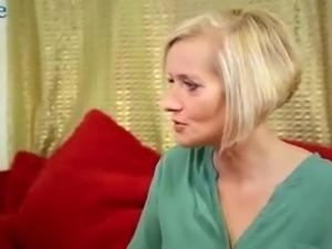 Mesmerizing blonde sexpot Kookie Ryan gives titjob to black stud