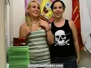 two stupid whores on cam