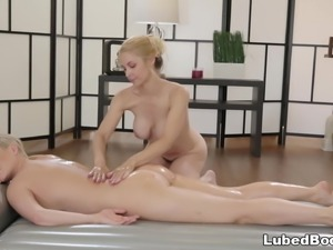 MILF Masseuse and her first female client