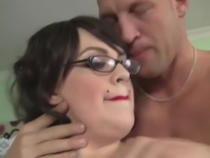 Tattooed chubby nerdy whore Marilyn Mason knows how to suck dick right
