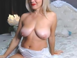 Amazing MILF Body - C h e r e s s e (No Sound)