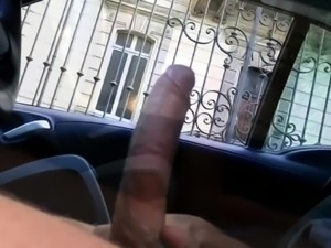 Hung amateur stud showing off his big meat shaft outside