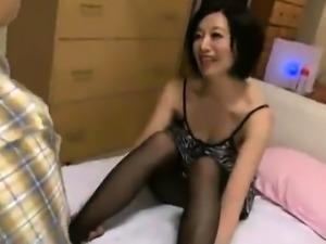 Femdom sexy asian handjob in bus