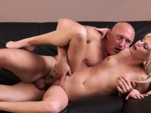 Daddy Horny blonde wants to attempt someone lil' bit more ex