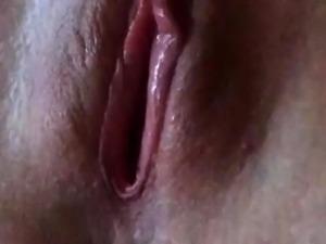 Hairy dude records his close up masturbation