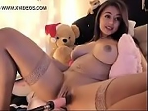 Gorgeous Teen Babe Fucks Herself - www.hotcamgirlsclub.com