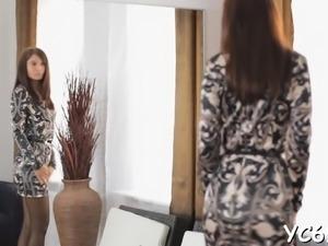 Dishy brunette hottie Eva performed schlong jerking in style