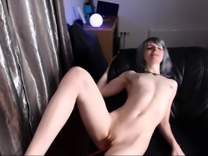 Amateur Camslut Rubs And Fingers Her Sweet Snatch