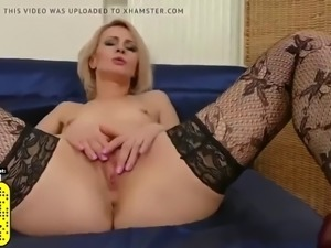 Hairy housewife fucks her vagina