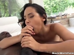 Stunning colombian babe blows huge black cock and tastes cum