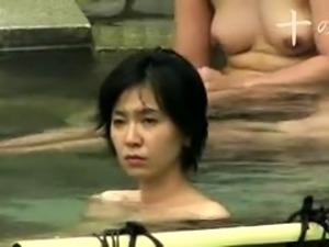 Voyeur spying on amateur Japanese ladies in the bathhouse
